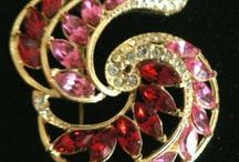 All that vintage glitters ...  / vintage jewelry