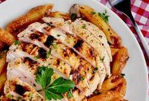Favorite Dinner Recipes / Family favorites and must try dinner recipes.