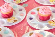 Baking Party Ideas / Lots of lovely ideas for baking parties including party activities, tins and cake stands