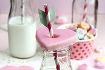 Valentine's Day Ideas / Gorgeously romantic cake accessories and decorations for Valentine's Day.