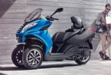 S C O O T E R S / Let's discover your city with two-wheels with Peugeot Scooter !