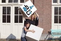 Voortgezet Onderwijs / Het ABC begeleidt, coacht, adviseert en traint leerlingen en docenten. Zo kan elke leerling succesvol de best passende schoolcarrière doorlopen. De ervaren psychologen en orthopedagogen van Het ABC zijn bij de VO-scholen in Amsterdam betrokken bij onderzoek, advisering en begeleiding van leerlingen. Met scholen en instanties is een goed contact opgebouwd met gericht en effectief advies.