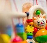 Holzspielzeug von HOBEA / HOBEA-Germany bietet schöne und vor allem pädagogisch wertvolle Spielwaren für Babys- und Kleinkinder aus hochwertigem Holz an. Die Holzspielwaren werden in der EU (Europäische Union) hergestellt. Die Farben sind auf Wasserbasis, speichelecht und kindgerecht. Einige Spielwaren sind mit freundlichen Gesichtern versehen und laden zum Spielen und entdecken ein :)