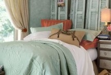 Bedrooms / by Donna Gerald