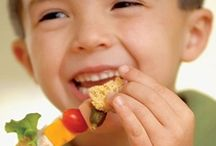 Healthy Snacks and Lunches! / by Karen Nelsen
