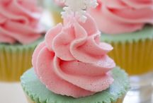 Cupcakes/Cake Pops / by Beverley Mitchell