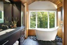 Modern / Strakke vormen en eenvoud kenmerkt een moderne badkamer. Afwerking van hoog niveau en kwalitatieve materialen. Modern van nu, is het retro van straks.  ---------------------------------------------------------- Formes lisses et simples sont des caractéristiques d'une salle de bains moderne. Des finitions de haute qualité et des matériaux durables. Le moderne d'aujourd'hui, c'est le rétro de plus tard.
