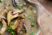 Food {Soups & Stews} / by Bren Haas