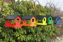 amish bird feeders / Beautiful feeders to nourish your feathered friends.