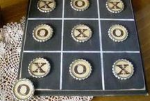 Bottle Cap Tic Tac Toe and Checkers / Ideas for making DIY Bottle Cap Checker and Tic Tac Toe games.