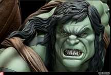 Skaar / The son of Hulk, Skaar is a being of similar power, but more murderous rage. This premium format figure is huge in scale, detail and wow factor. Limited to 1000 pieces, it features a real fabric costume and made 1:4 scale