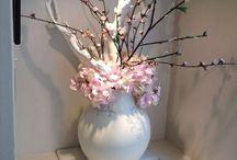 Floral arrangements / Flowers / by Nancy Sanches