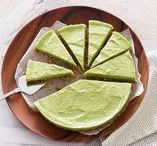 Avocado / De avocado: romig, vol goede vetten en eindeloos te combineren. Leg 'm in plakjes op je brood, 's middags in je taart en 's avonds in je wrap. Wij zijn fan.