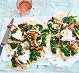 Recepten met spinazie / Met frisse, stevige blaadjes is spinazie heerlijk knapperig in een salade. Geroerbakt in een pan of lekker met een gepocheerd eitje. Popye, opgelet!