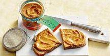 Recepten met pindakaas / Pindakaas is hot! En je smeert het allang niet meer alleen op je bammetje.