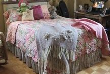 Bedrooms #2 ♥♥♥ / I would love to sleep in any of these lovely room...  take every pin you like, but please be reasonabable... :) / by Carole Grant
