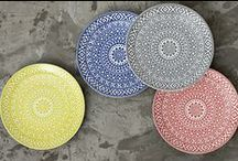 Pop Of Color / Some inspiration to add some color to your table top, whether its with dinnerware or glassware!