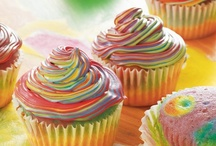 Cupcakes / Muffins / by Diana Graves