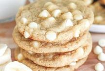 Cookies / A huge collection of the best cookie recipes on Pinterest. If you want cookies, whether it's chocolate chip, oatmeal, peanut butter or whatever, it's here! Follow my other boards here: http://www.pinterest.com/couponmamacita/boards