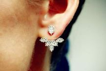 ACCESSORIES: JEWELLERY / Rings, Bracelets, Necklaces, Earrings