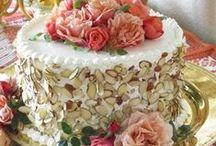 Pretty Cakes / by Polly Sue Rowlen