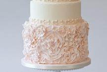 Cakes I Love / by Melia Mason