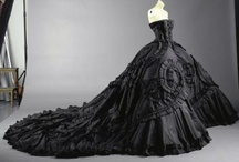 Beautiful Gowns / by Gianna Bacci
