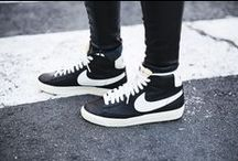 [ S N E A K S ] / Pumped up kicks