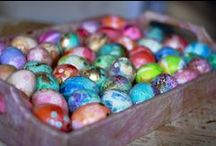 Easter - eggs and bunnies / decorating eggs, egg and rabbit craft ideas, and treats to delight tummies