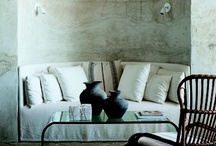 Niches and Banquettes / Lovely little spaces, custom made for cuddling up and creating intimacy.