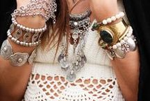 Best of Bohemian Style / Bohemian fashion and styling. This is a community board and we would LOVE for you to be a part of it! **No ads, duplicates & non boho style will be deleted.  To join, please email lovethelocalhippies@gmail.com. Enjoy!!