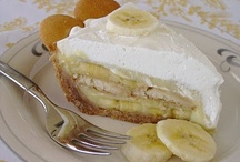 Pretty Pinnable Pies, Cobblers and Trifles / by Cheryl Schott