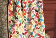 Beautiful Quilts / by Claris Hostetler Schmidt
