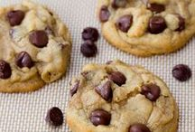 Cookies/Bars. / by Isabella Mickelson
