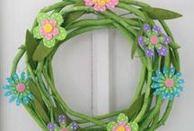 Spring Crafts and Decor / Find the best Spring crafts and Spring decor to fill your house with beautiful colors and Spring spirit!