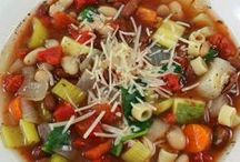 Best Soup Recipes / Delicious and warming soup recipes, including Crock Pot Soup recipes, soup in a jar recipes and much more. These soups are easy to make and tasty to eat.