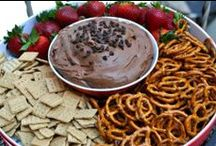 Party Foods / by Deawna Wyandt