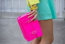 BOLSOS / Any fashionista knows that an outfit is not complete without the perfect purse to match.