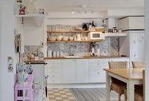 Cozinha decorada / Inspirações para minha casa!  Quem sabe um dia consigo fazer parecido!