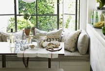 Breakfast Nooks & Banquettes