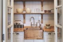 Pantry Organization and Decor / Pantry ideas for the home to make meal planning easier. Organization and decor.