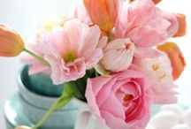 Spring Home Decor / Simple and pretty spring decorating ideas. Including Easter ideas.