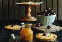 I love pie / PIe--who does't love pie--all year round! Here are appetizing, yummy pie photos and ideas / by Susan Mernit