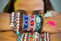 Friendship bracelets / Pulseras de la amistad
