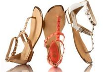 STATEMENT THONG / Statement-making thong sandals. #color #sandals #trends / by Shoeline.com ♥