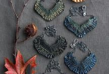 Beading and Jewelry Making / Tons of jewelry making techniques, tutorials and instruction.