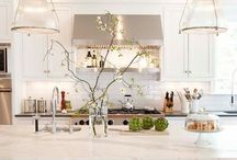 Lovely Kitchens / by Barbara O'Neil