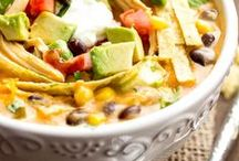 Slow Cooker~Soup & Chili ღ / by Susan Moore
