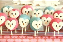 Cake Pops / A cake pop visual explosion...with a few other cute desserts on a stick. Cake balls, truffles, mini pies and more. Along with a few how to's and tutorials for making these cute pops.