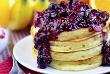 Pancakes / Who knew there were so many great pancake ideas! Someday I will try them all!